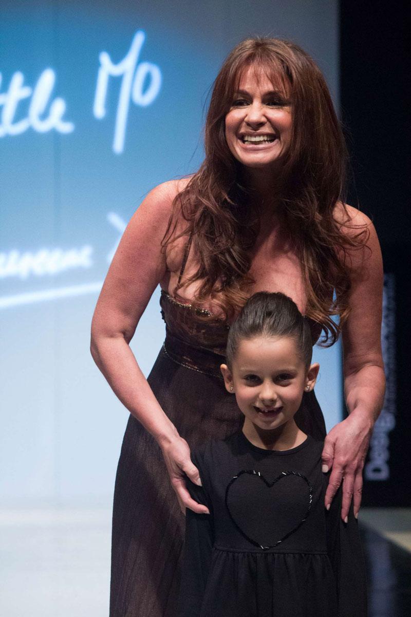 Andrea Campbell y su hija Desfile Little Mo