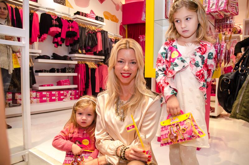 Nicole, Allegra e Indiana en Barbie Store Recoleta