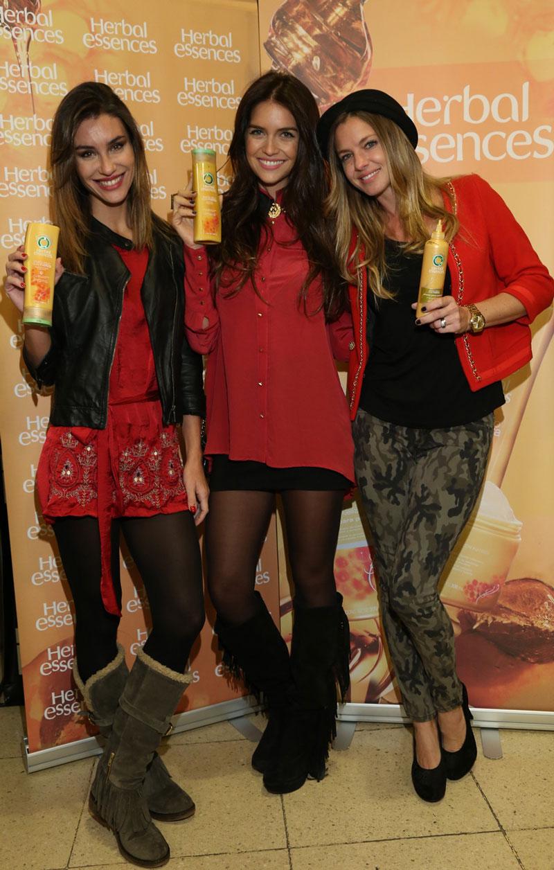 Paula, Zaira y Gege luciendo un #LookByHerbal