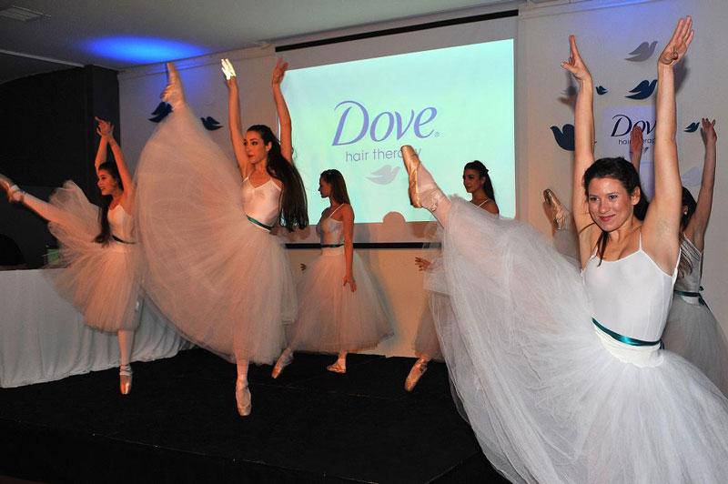 El show de ballet en el evento lanzamiento Dove Puntas Reconstruidas