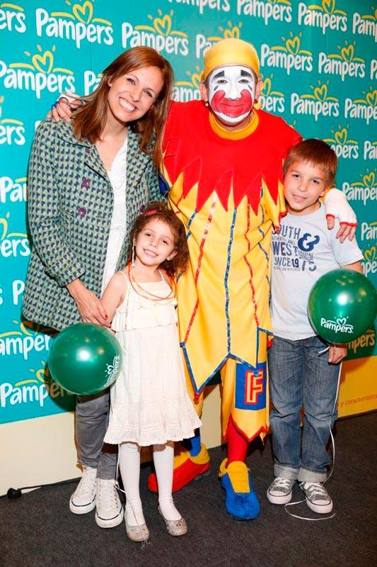 Denis Dumas junto a Emma y Francesca